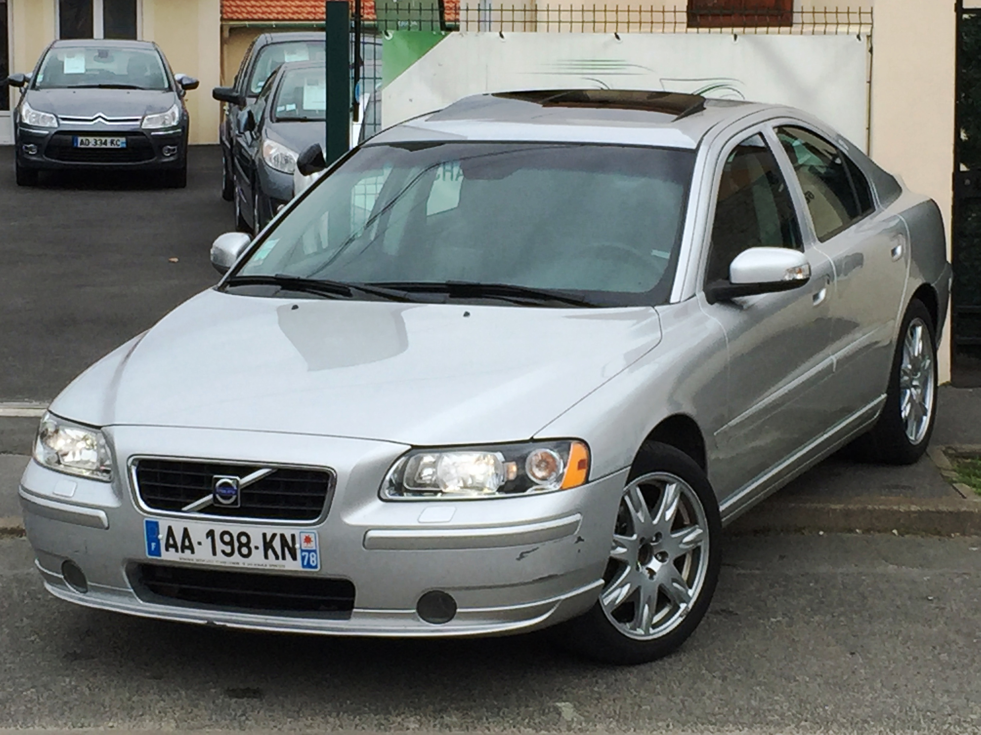 voiture volvo s60 2 4d 163 sport geartronic a occasion 2009 105754 km 8990 herblay. Black Bedroom Furniture Sets. Home Design Ideas