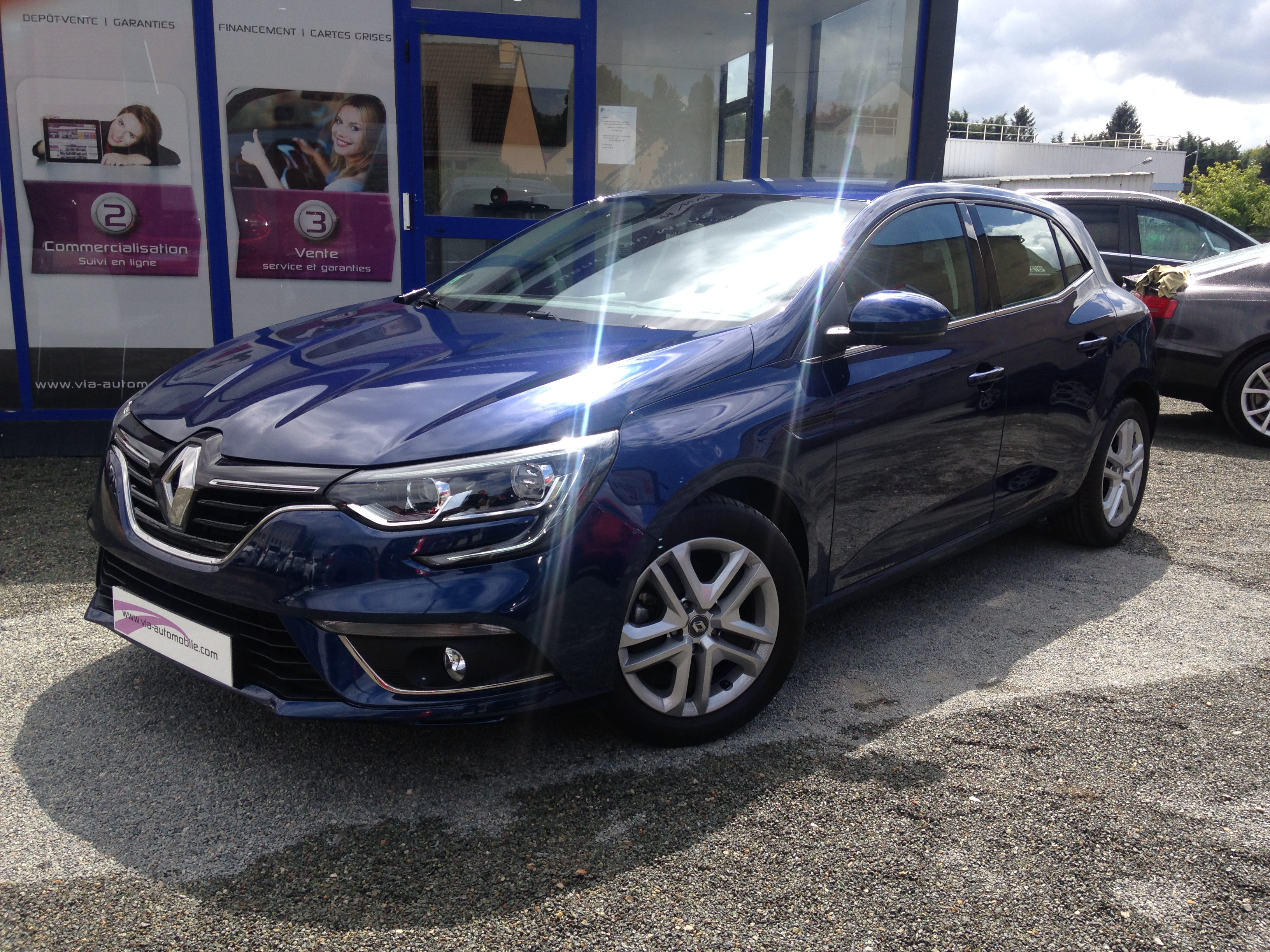 voiture renault megane iv tce 130 energy zen gps link2 occasion 2016 18000 km 18600 le. Black Bedroom Furniture Sets. Home Design Ideas