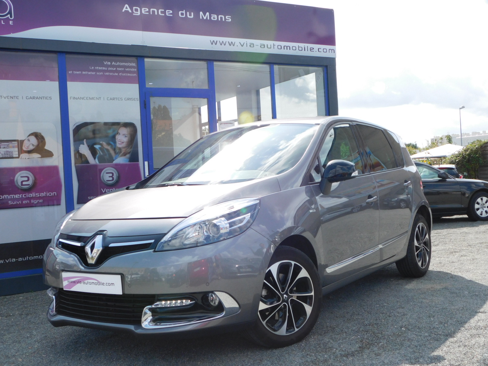 voiture renault sc nic iii dci 110 energy eco2 bose edition 29000km occasion diesel 2015. Black Bedroom Furniture Sets. Home Design Ideas