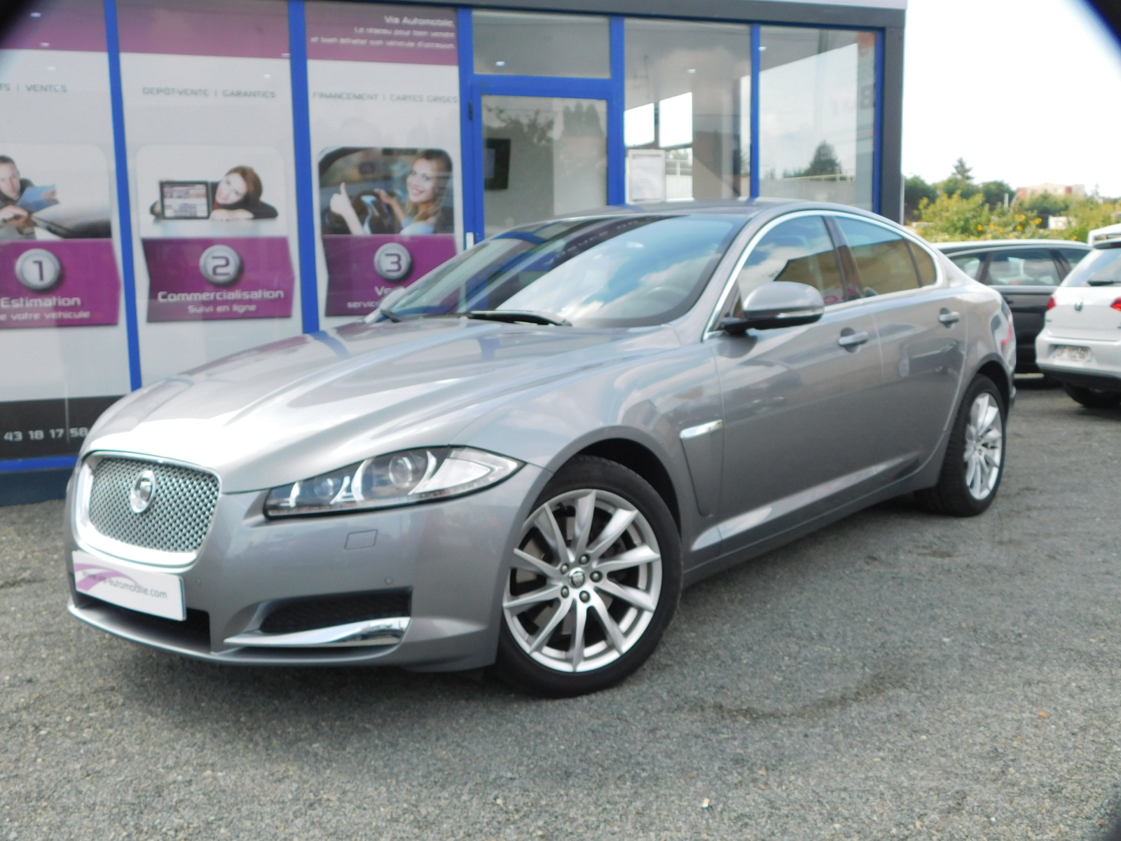 voiture jaguar xf 2 2 d 200 luxe premium a occasion diesel 2013 53200 km 25483 le. Black Bedroom Furniture Sets. Home Design Ideas