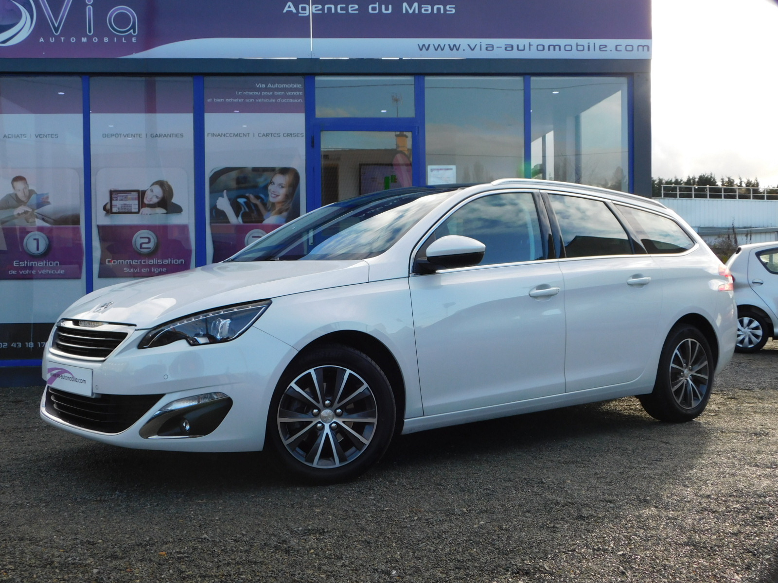 voiture peugeot 308 sw 1 6 120ch allure pano cam ra occasion diesel 2016 47450 km 16890. Black Bedroom Furniture Sets. Home Design Ideas